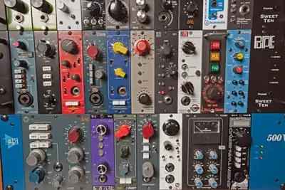 A wall of 500 Series modules at Vintage King Nashville