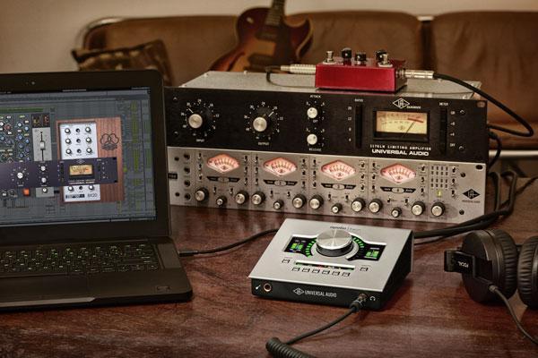 The older version Apollo MKI in use in a home studio