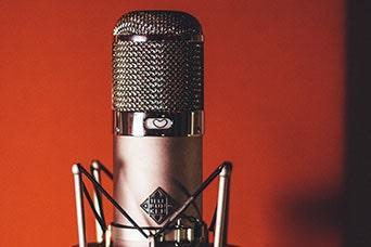 Telefunken U47 large-diaphrapm condenser mic