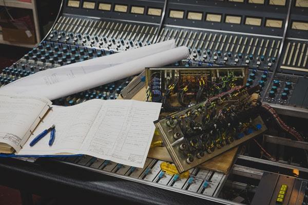 Premium recording console restoration