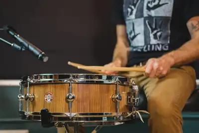 Snare drum tips