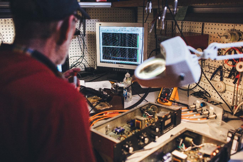 Rick Shultz services a vintage 1176 compressor