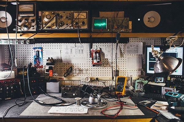Vintage King Audio tech bench