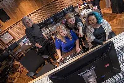 Vintage King's Inside Look At The Women's Audio Mission