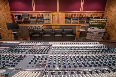 Vintage King Revives Classic Neve 8068 For Power Station New England