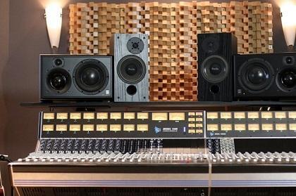 Explaining The Different Types of Studio Monitors