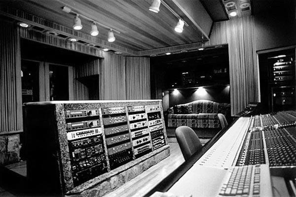 Vintage King And Robert Lang Studios Talk Outboard Gear
