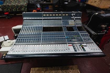 VK Restoration: Neve 8058 Recording Console