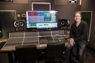 Vintage King Brings Audient Console To Sacramento City College