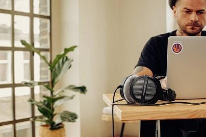 Win A Pair Of Beyerdynamic DT 990 Pro Headphones From Vintage King