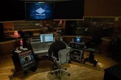 Vintage King And Universal Audio On The Road To Vinyl