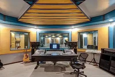 Hi-Five Studio And Vintage King Team Up For Award-Winning Recording Facility
