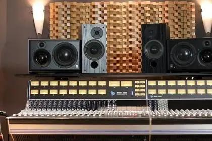 Buyer's Guide: Studio Monitors