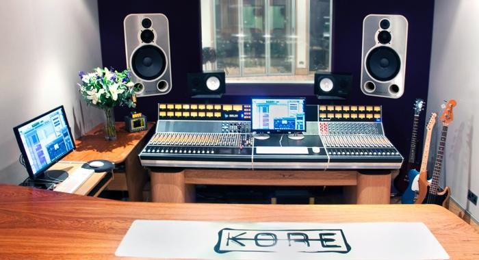 Vintage King Outfits Kore Studios With API Console And More