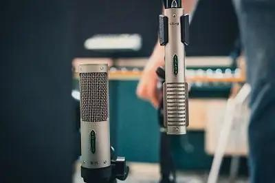 Comparing The New Royer R-10 Ribbon Microphone To The R-121