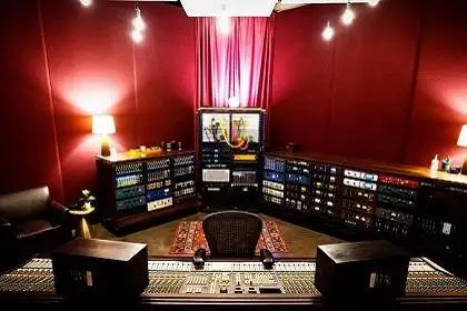 Mad Muse Studios Inspires With Vintage Gear And Famous SSL Console