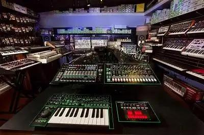 The Synths And Drum Machines Behind Early Detroit Techno