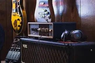 Vintage King's Dustin McLaughlin Picks Best Guitar Pedals & Effects Of 2018