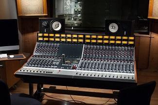 Vintage King Delivers A Rupert Neve Designs 5088 Console To Nashville's Historic RCA Studio B