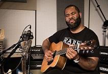 Vintage King And Kirk Fletcher Create Microphone Shootout For Acoustic Guitar