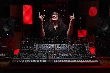 Sonic Sorceress Lisa Bella Donna On Making Haunting Synth Sounds