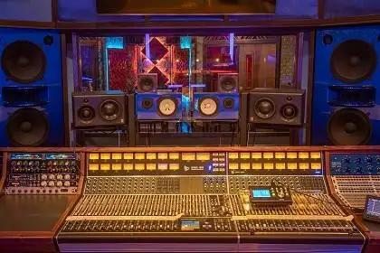 Vintage King Outfits SŌL Studios With An API 1608 Console And More